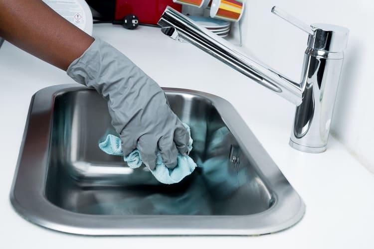 Limpar banca de cozinha