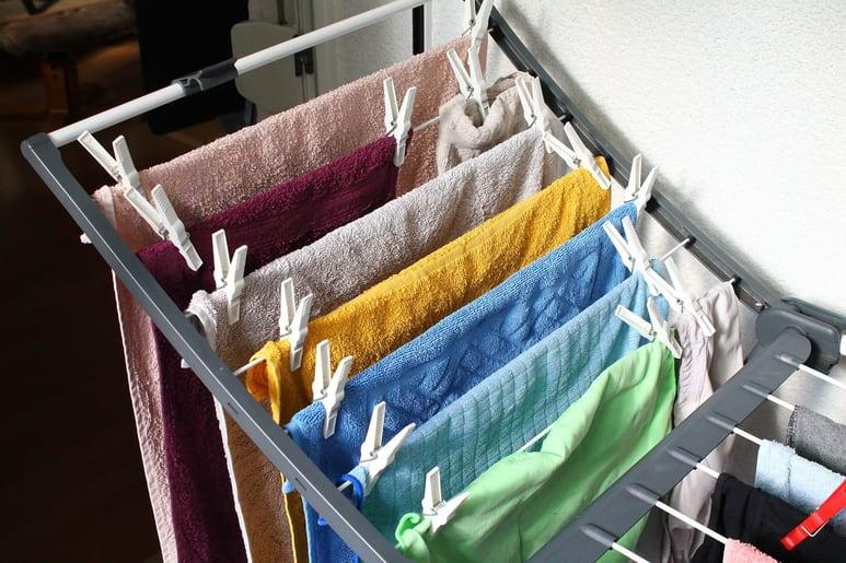 Secar roupa dentro de casa