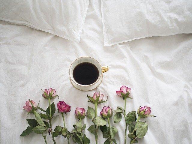 Os lençóis da cama devem ser trocados com que frequência