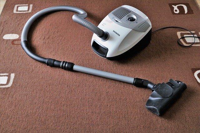 3 segredos para manter os tapetes de casa limpos